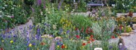 How to Design a Stunning Old-Fashioned Cottage Garden